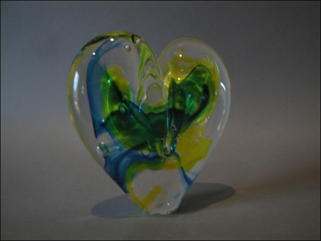 Click to view detail for DG-1076 Heart - Yellow & Aqua