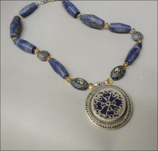 Click to view detail for 7359 Necklace, Lapis Flutes and Citrine