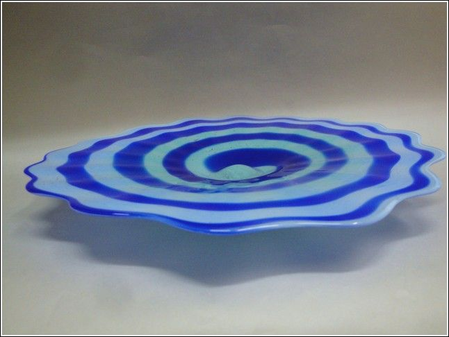 Click to view detail for DB-032 Footed Swirl Plate, Lt. & Dk. Blue
