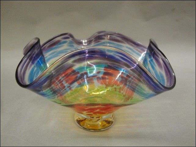 Click to view detail for DB-204 Small Bowl, Rainbow, Fluted Rim