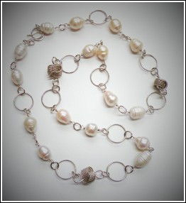 Click image to view an enlarged picture of DKC714 Pendant Large FW Pearls, Love Knots