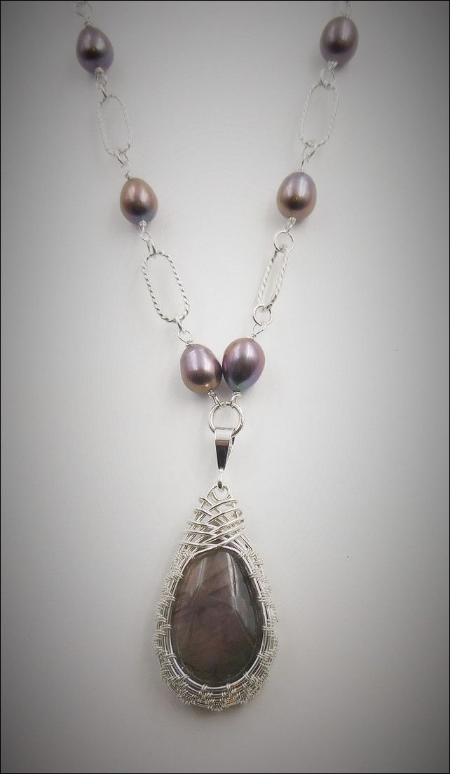 Click to view detail for DKC-767 Necklace Purple Labradorite, Black Pearls