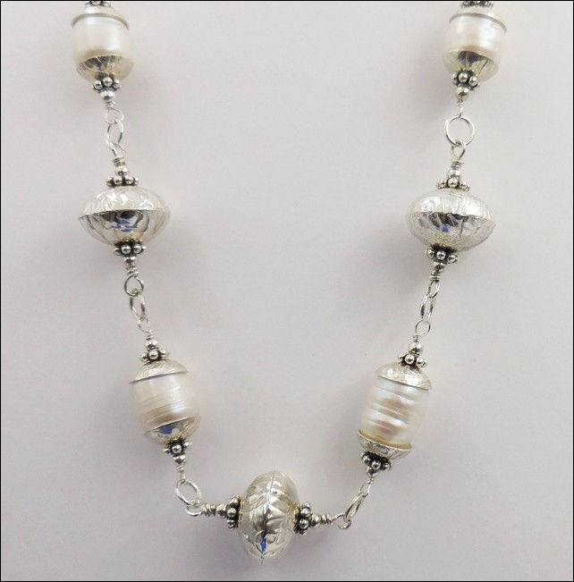 Click to view detail for DKC-794 Long Silver Chain with Pearls