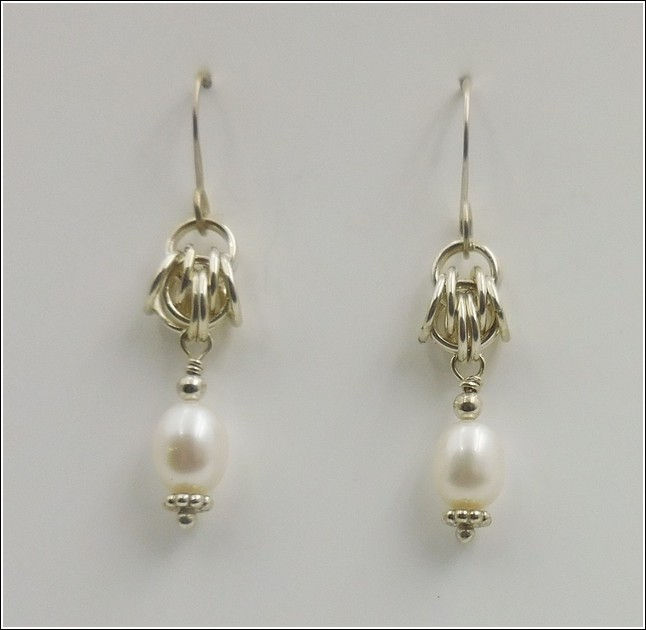 Click to view detail for DKC-832 Earrings, Pearls