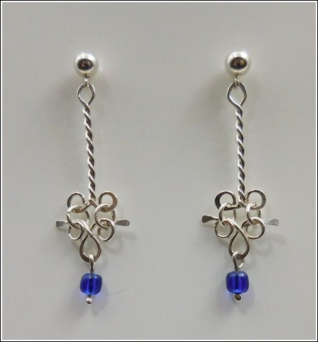 Click to view detail for DKC-843 Earrings, Sterling Silver, Blue Bead