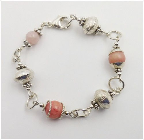 Click to view detail for DKC-849 Bracelet, Argentium Sterling Silver & Pink