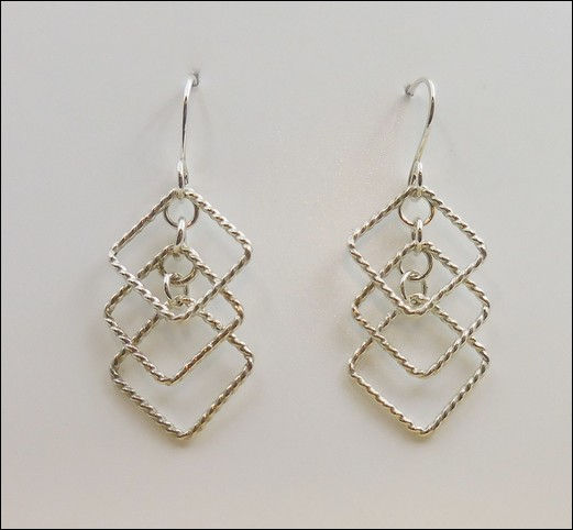 Click to view detail for DCK-855 Earrings, 3 Twisted Wire Diamonds