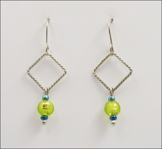Click to view detail for DKC-870 Earrings  Arg. Silver Lime Green MG