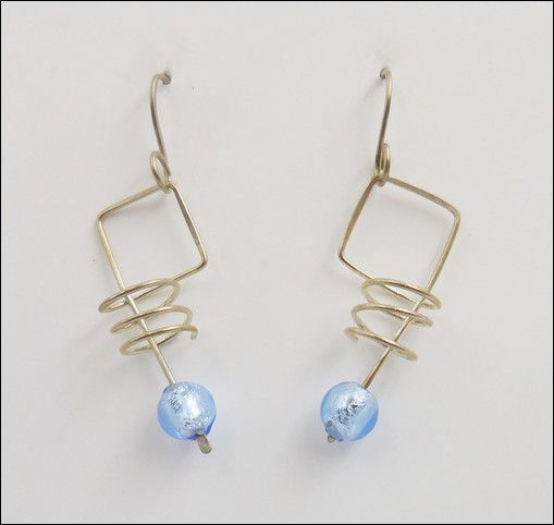 Click to view detail for DKC-875 Earrings Squares and Springs