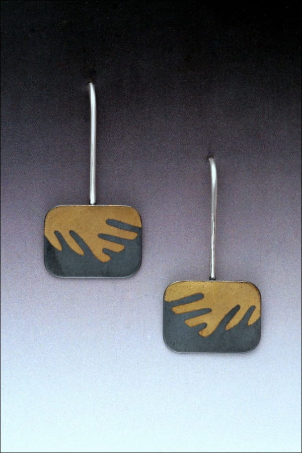 Click to view detail for MB-E329 Earrings Surfin' USA