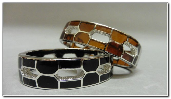 Click to view detail for Bangle - S137 Black or Amber