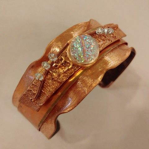 Click to view detail for DM-043 Cuff Bracelet Dichroic Glass & Crystals
