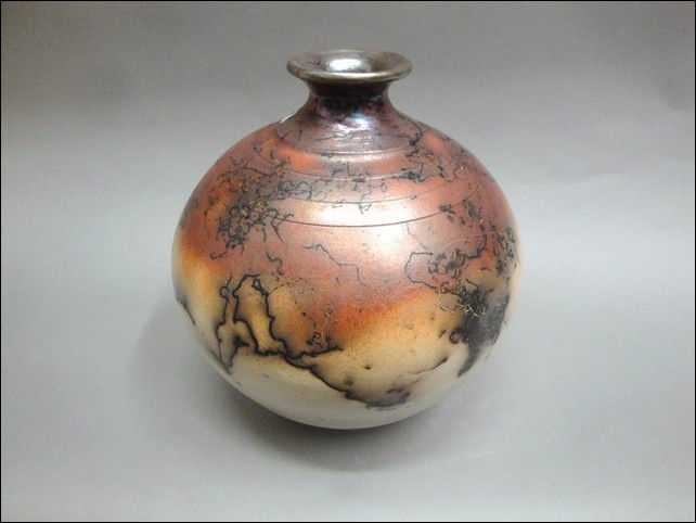 Click to view detail for MP-046 Raku Vessel