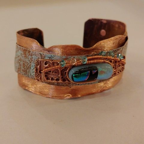 Click to view detail for DM-062 Cuff Bracelet Blue dichroic glass