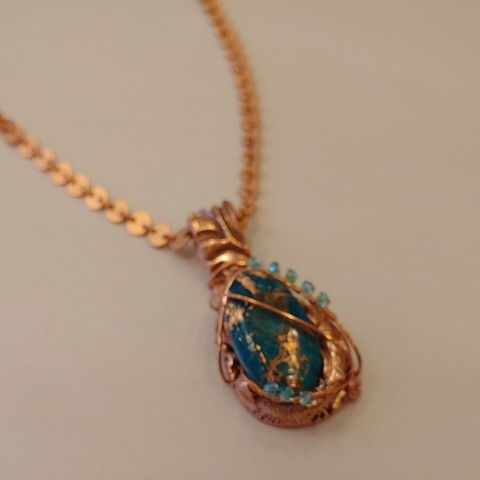 Click to view detail for DM-079 Pendant, Blue/Gold Lab-Colored TQ