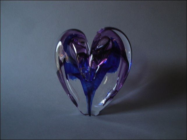 Click to view detail for DG-1077 Heart - Cobalt & Purple