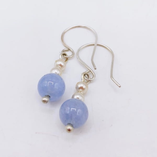 Click to view detail for DKC-1079 Earrings Aquamarine & Pearl $56