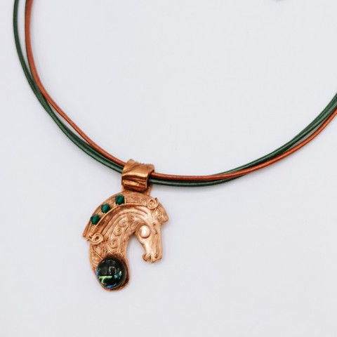 Click to view detail for DM-117 Pendant Horsehead Forest Green $65