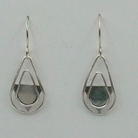 Click to view detail for DKC-1027 Earrings Teardrop and Triangles $80
