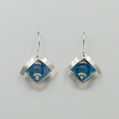 Click to view detail for DKC-1029 Earrings, Square on Square, Apatite $70