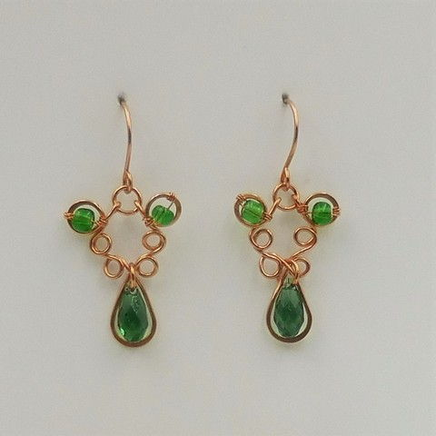 Click to view detail for DKC-1045 Earrings Copper Filigree Green Crystals  $60