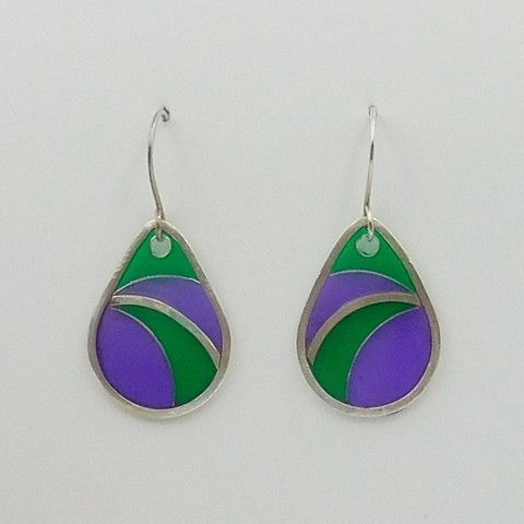 Click to view detail for DKC-1049 Earrings, purple, green cloisonné