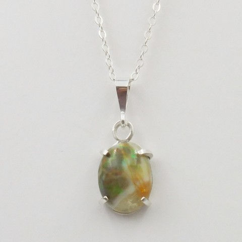 Click to view detail for DKC-1050 Necklace, Ethiopian opal $180