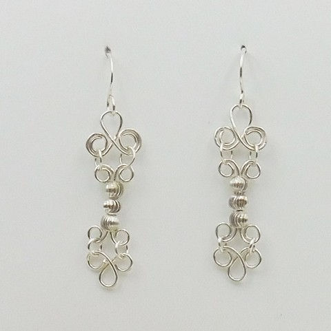 Click to view detail for DKC-1052 Earrings, long filigree, silver beads $66