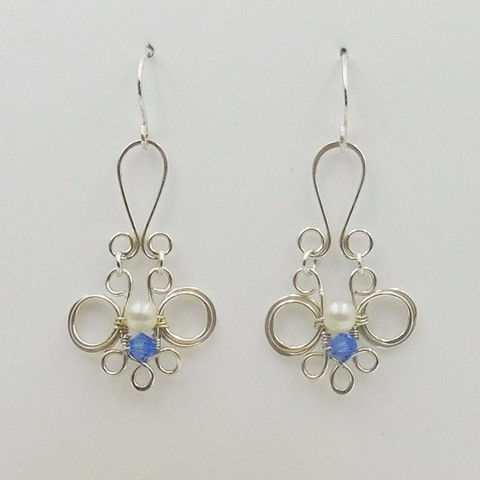 Click to view detail for DKC-1055 Earrings, circles, pearl, Swarovski crystals $66