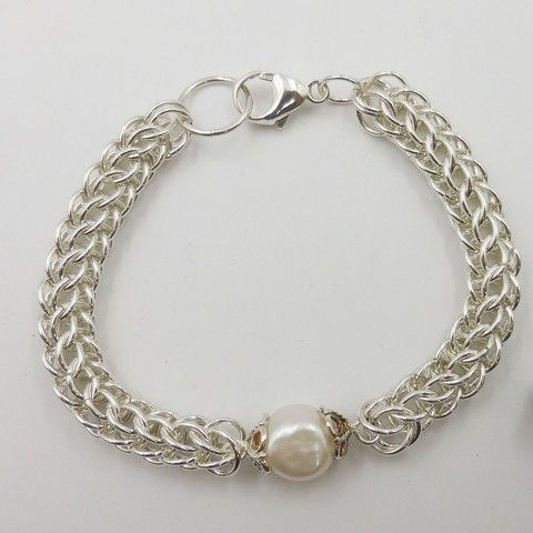 Click to view detail for DKC-1060 Bracelet, Sterling Silver Persian Weave, Baroque Pearl $180