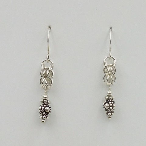 Click to view detail for DKC-1065 Earrings, Sterling Silver Persian Weave, Bali Beads $75