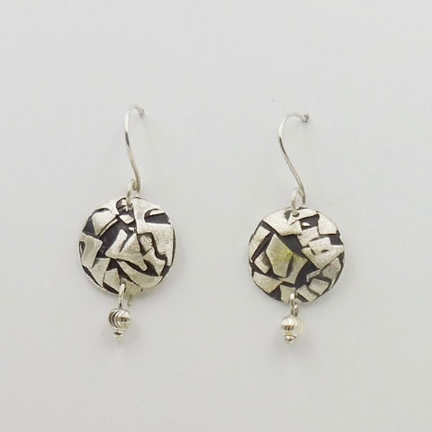 Click to view detail for DKC-1067 Earrings Silver Circles with Black Accent $70