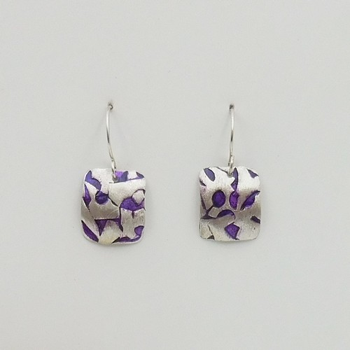 Click to view detail for DKC-1086 Earrings, Argentium SS/Purple Alcohol Ink $70