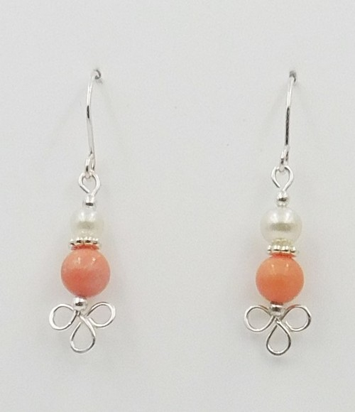 Click to view detail for DKC-1094 Earrings Coral and Pearl $60