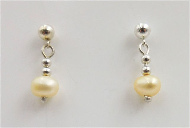 Click to view detail for DKC-797 Earrings Drop Pearls