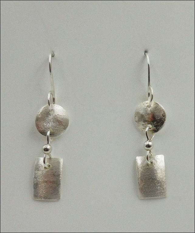Click to view detail for DKC-799 Earrings Silver Circles and Oblong Shapes