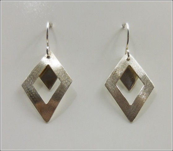 Click to view detail for DKC-840 Earrings, Argentium Silver Double Diamond