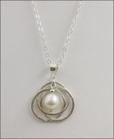 Click to view detail for DKC-852 Necklace, Celtic Knot, Baroque Pearl