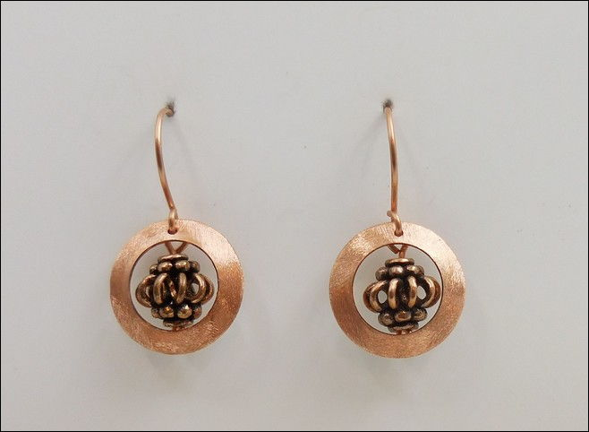 Click to view detail for DKC-863 Earrings Copper Circles, Bali Bead