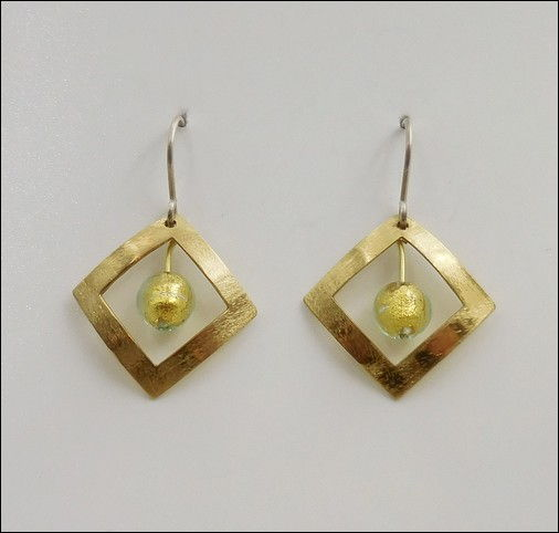 Click to view detail for DKC-865 Earrings Brass Diamond Shapes Murano Glass