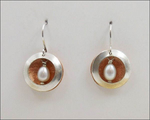 Click to view detail for DKC-867 Earrings Argentium Copper Circles Pearls