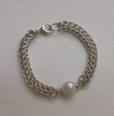 Click to view detail for DKC-881 Byzantine Weave Chain and Baroque Pearl