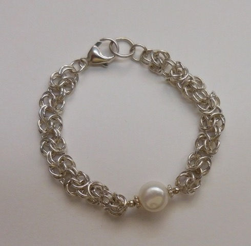 DKC-882 Bracelet Byzantine Weave and Baroque Pearl at Hunter Wolff Gallery