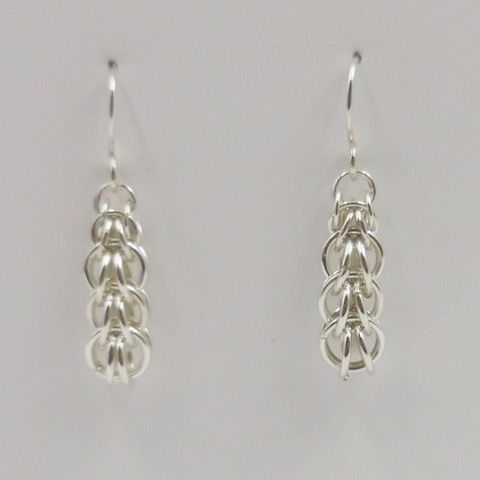 Click to view detail for DKC-886 Earrings, Graduated Persian Weave