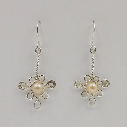 Click to view detail for DKC-894 Earrings, Filigree, Freshwater Pearls