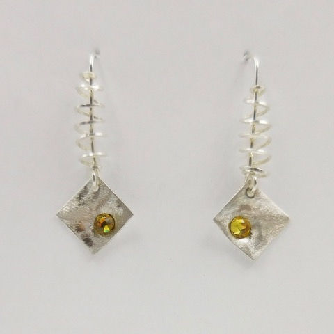 Click to view detail for DKC-908 Earrings, Squares, Yellow s/Crystals