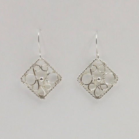 Click to view detail for DKC-915 Earrings, Filigree Squares