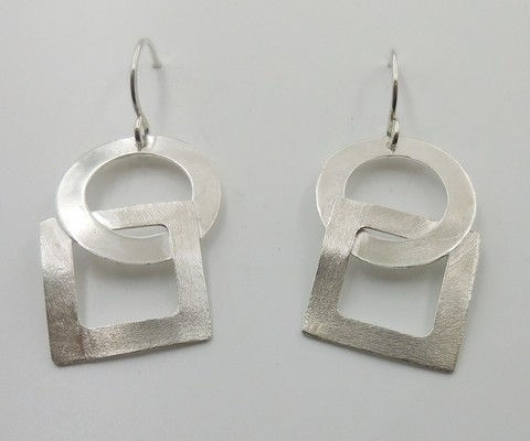 Click to view detail for DKC-920 Earrings square and circle