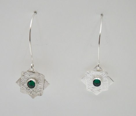Click to view detail for DKC-926 Earrings Long Stars