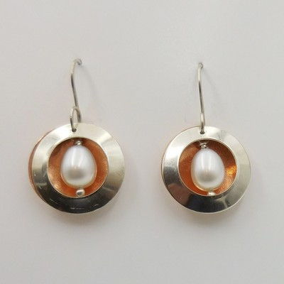 DKC-928 Earrings circles with pearls at Hunter Wolff Gallery